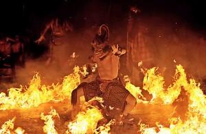 monkey fire dance ubud bali-asia