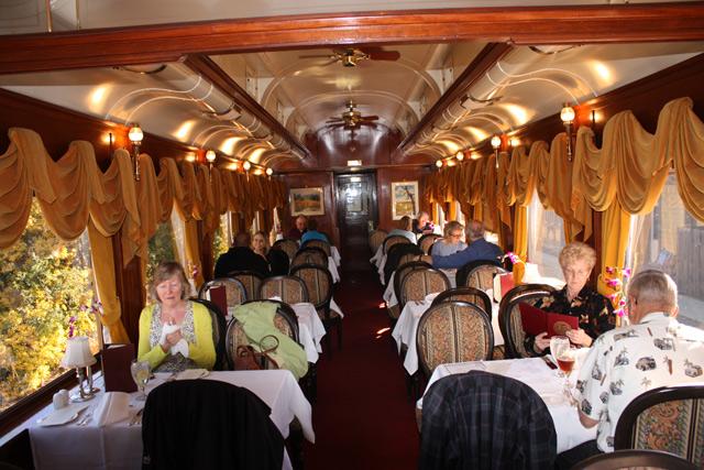 napa-valley-wine-train-dining