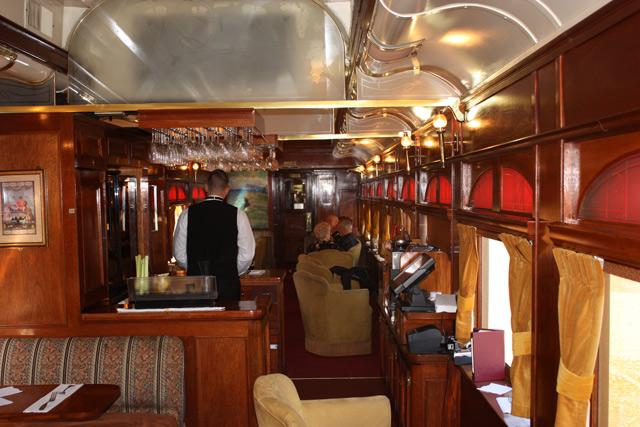 napa-valley-wine-train-bar