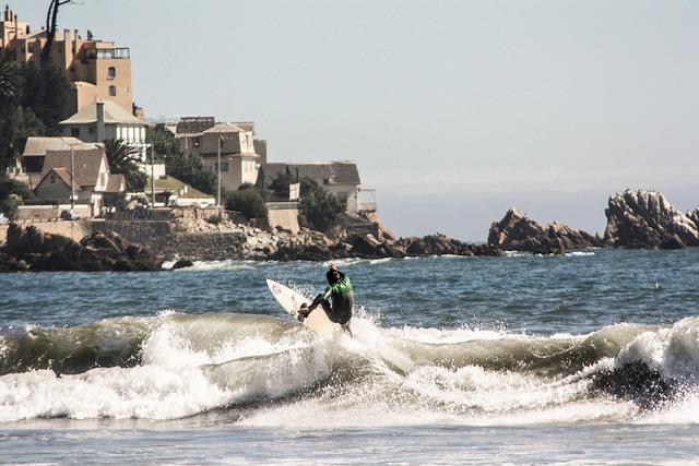 Valparaiso-Chile-surf