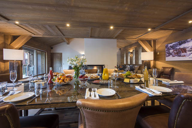 Chalet Ambre table