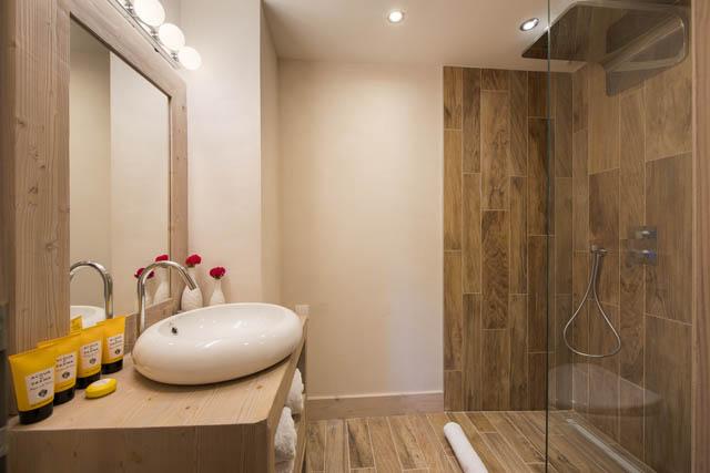 Chalet Ambre Bathroom