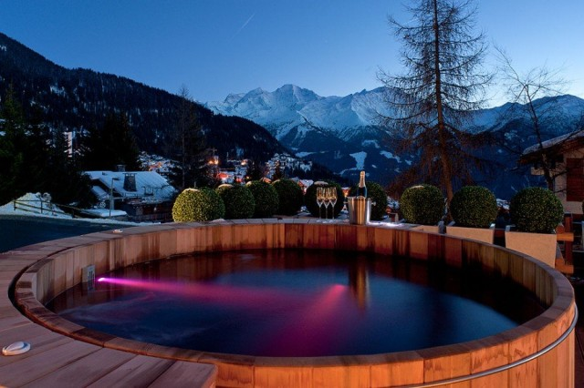 Chalet 14 Hot tub