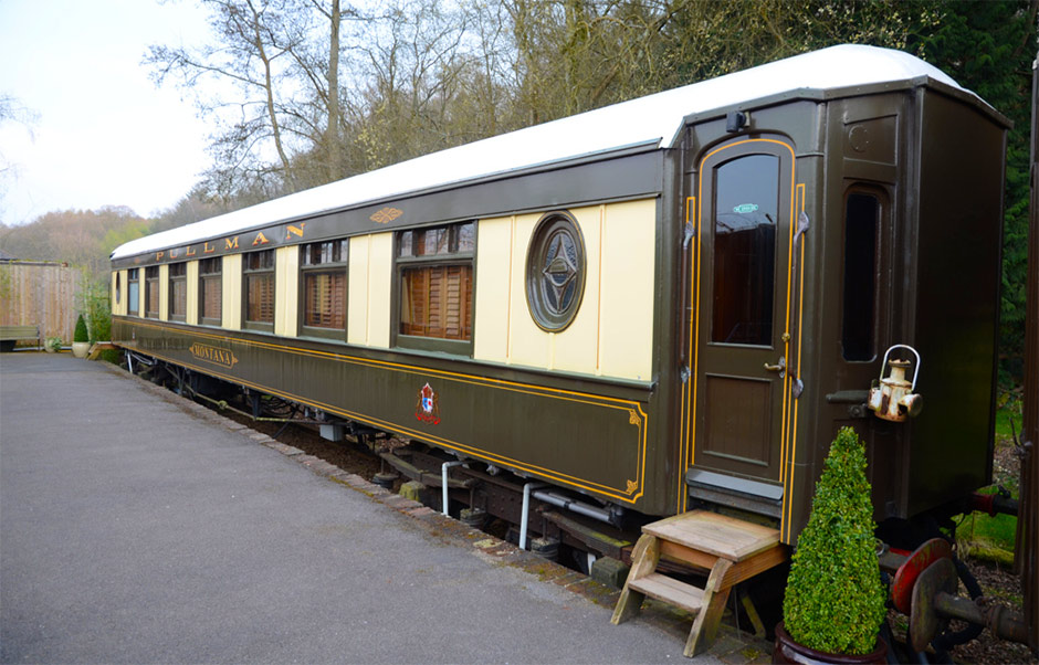 railway-carriage-room