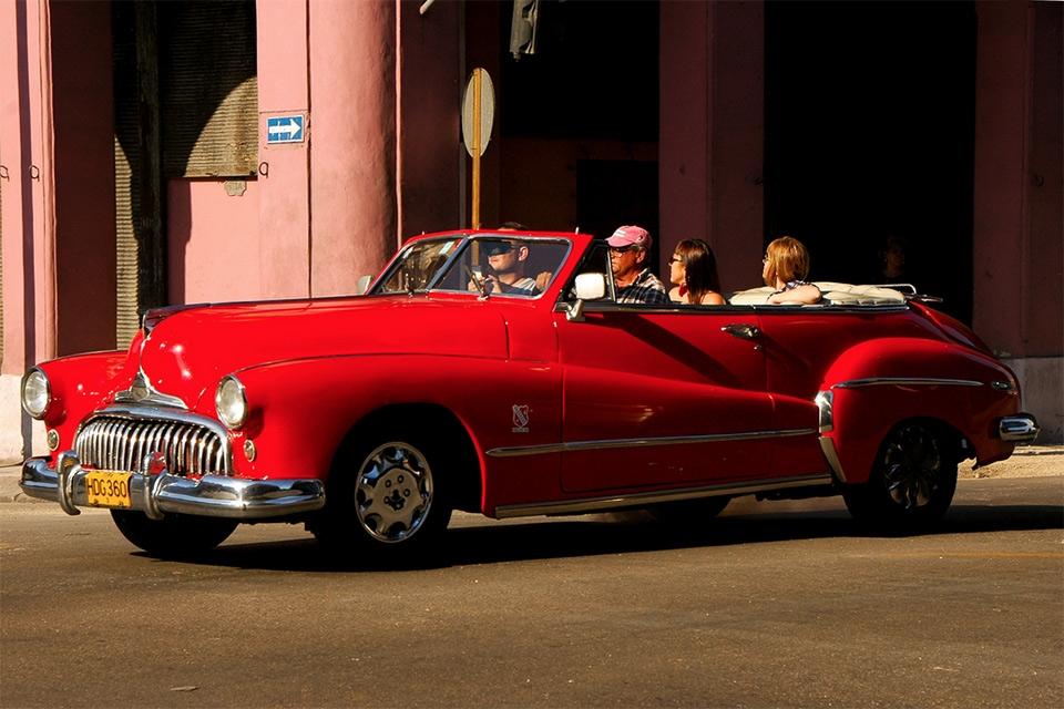 cuba-cars-red