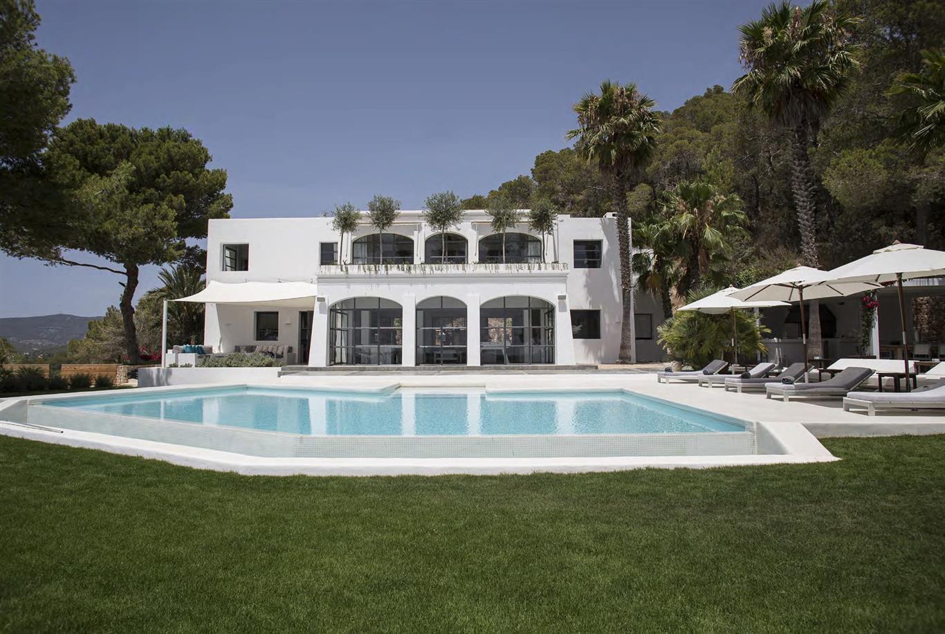 Luxury-Villa-Villa-Cardona-Km5-Ibiza-town