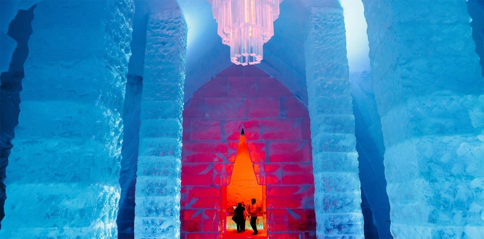ice-hotel-canada