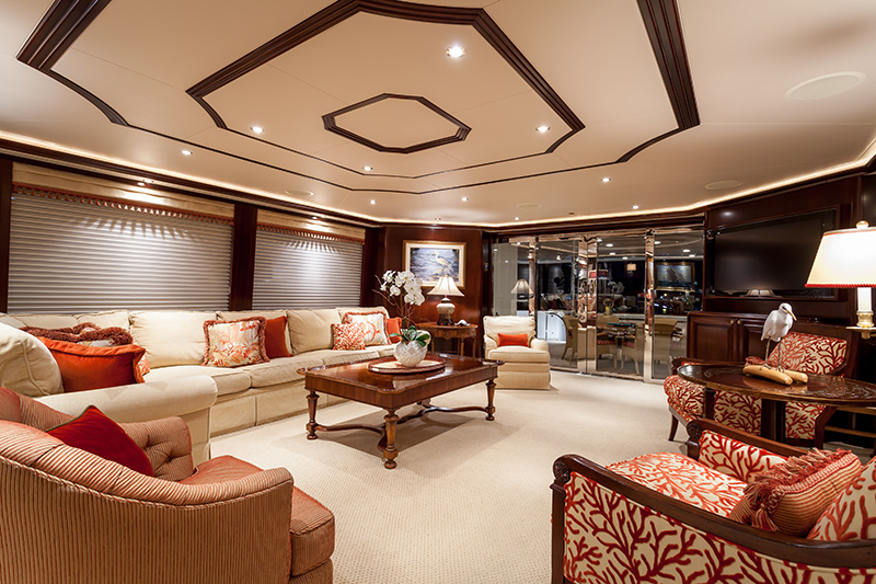 my-constellation-yacht-for-sale-sitting-room