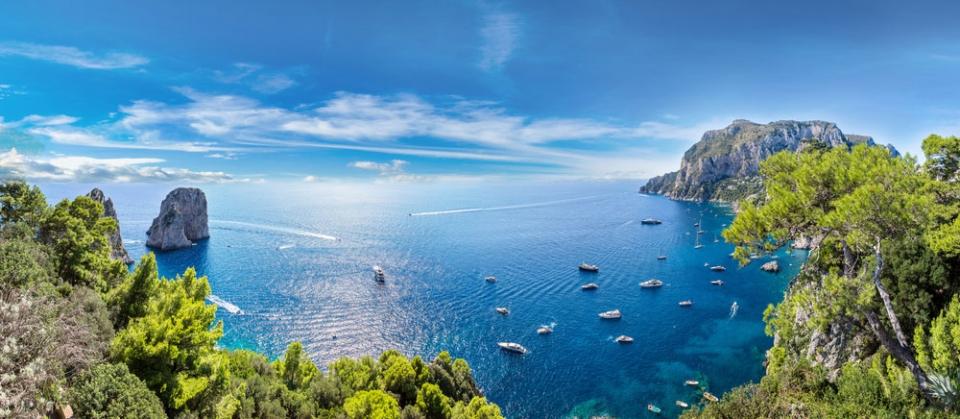 Amalfi-Coast-Capri-view-sm