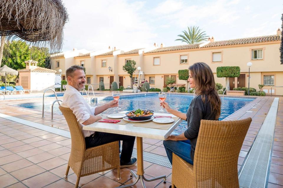 CLC-Marina-del-sol-pool-dinner-WEB