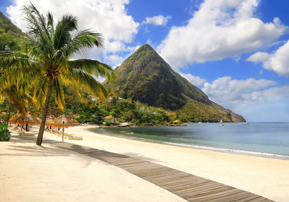 SmartyYacht-Caribbean-Yacht-share-St-Lucia-twin-peaks-sm