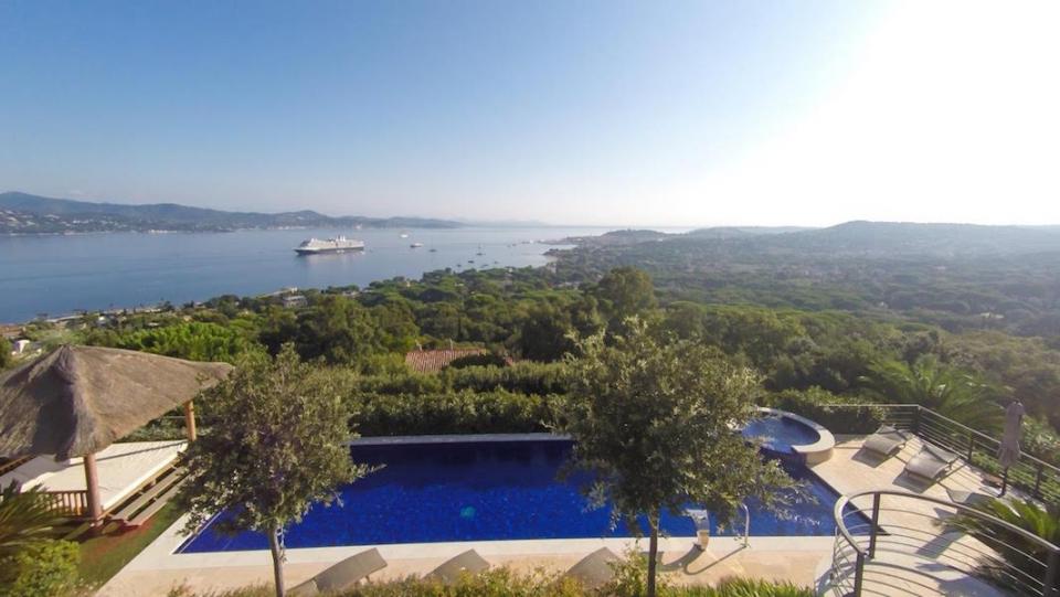 St-Tropez-villa-rental-villa Cerise-view