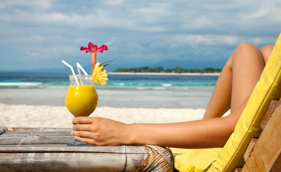 st-tropez-villa-rental-drink-at-the-beach
