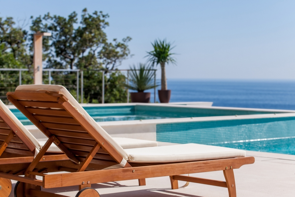 st-tropez-villa-rental-lounge-chair