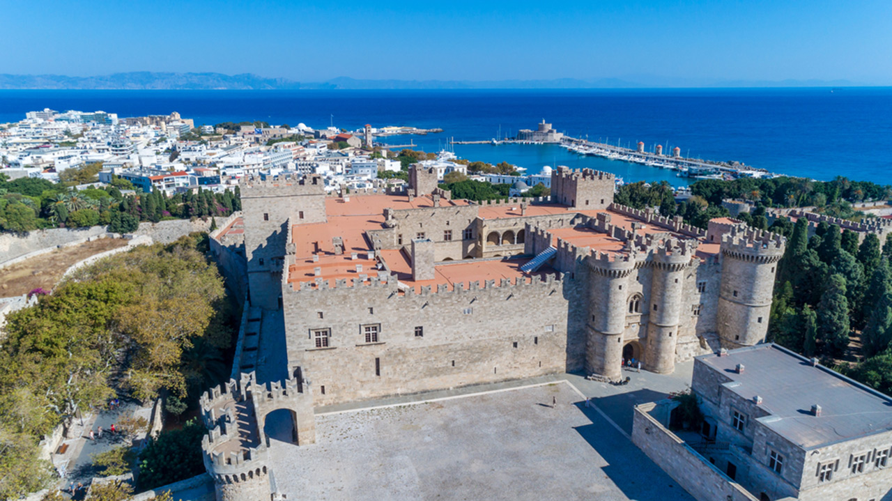 unesco-patrimony-in-greece-the-medieval-city-of-rhodes-sm