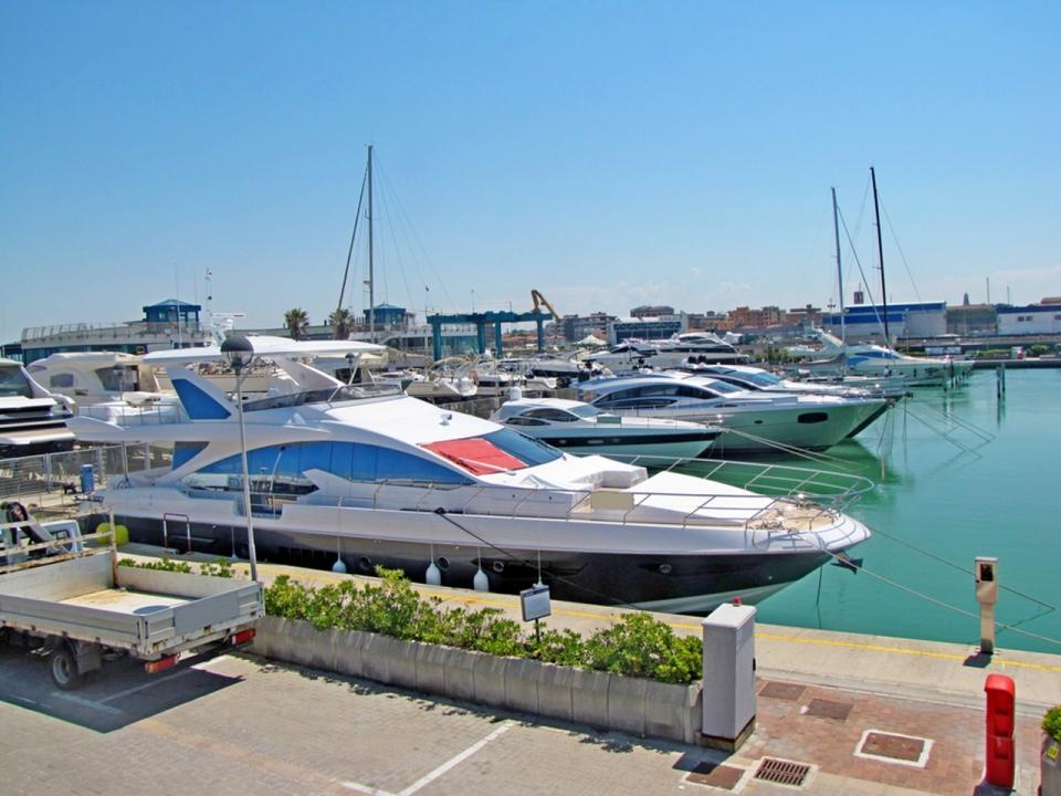 italy-yacht-charter-header-sm
