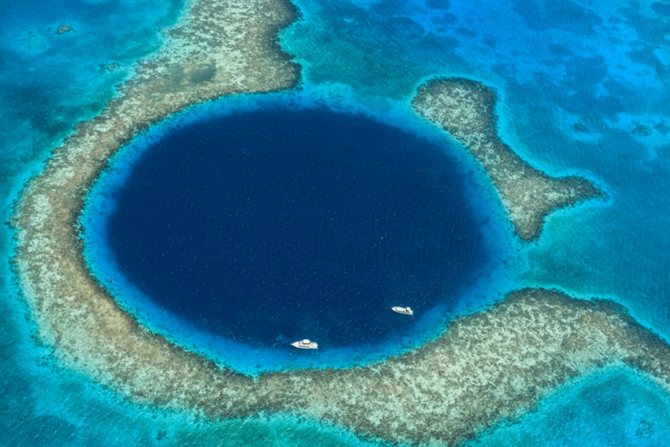 expedition-yacht-for-charter-great-blue-hole-sm