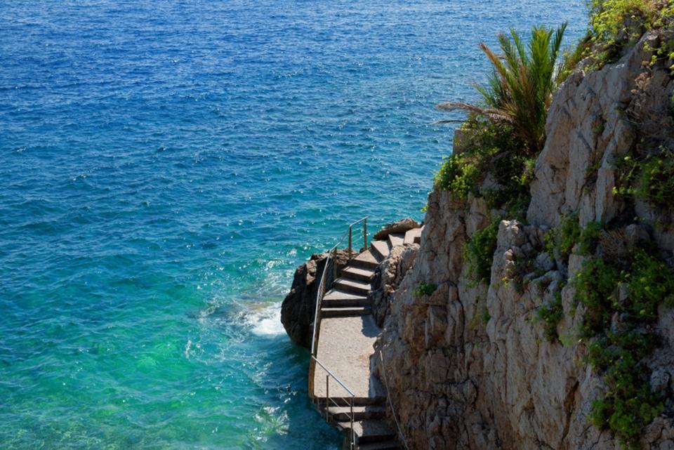 Monaco-Fisharman-cove