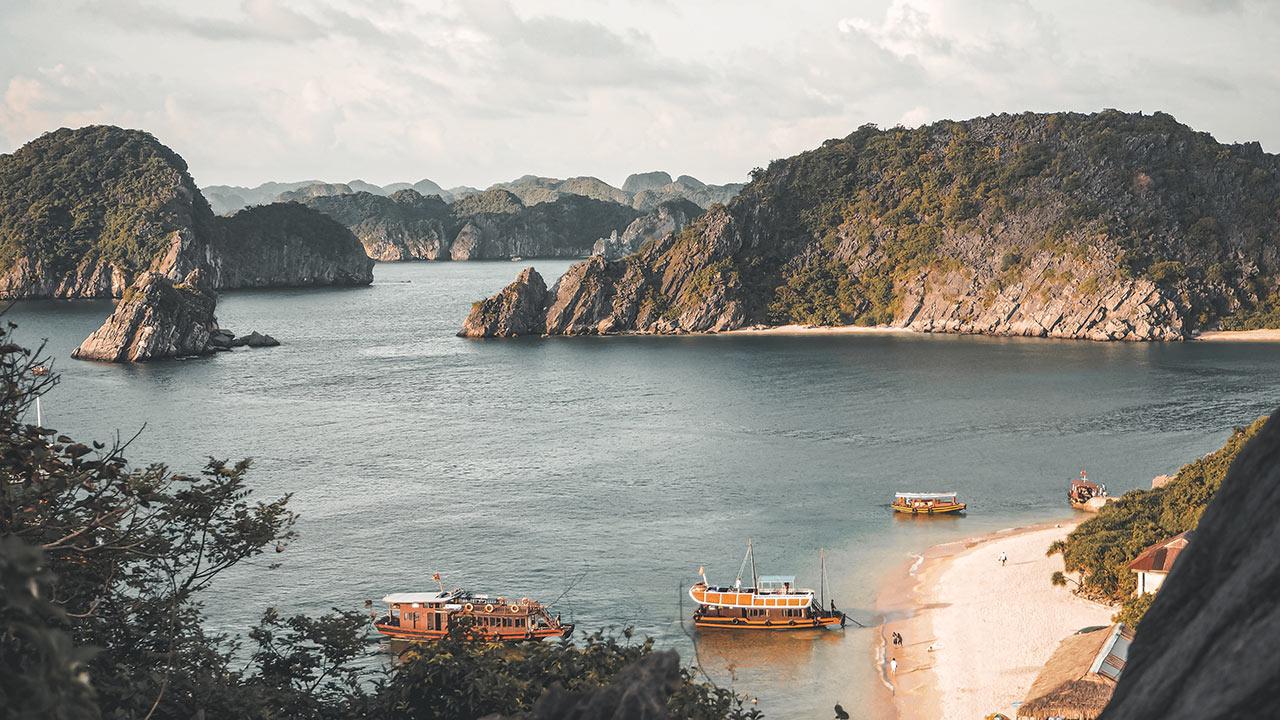 Ha-Long-Bay