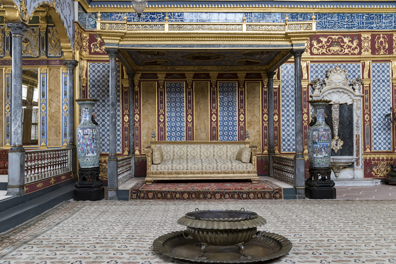 Top-10-most-beautiful-royal-palaces-in-the-world-topkapi-sm