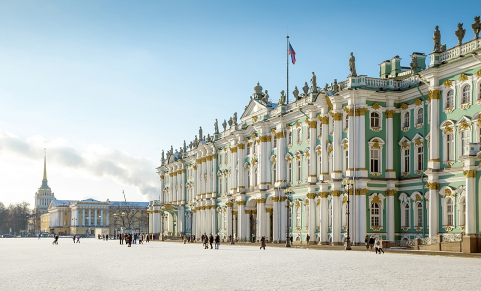 Top-10-most-beautiful-royal-palaces-in-the-world-winter-palace-sm