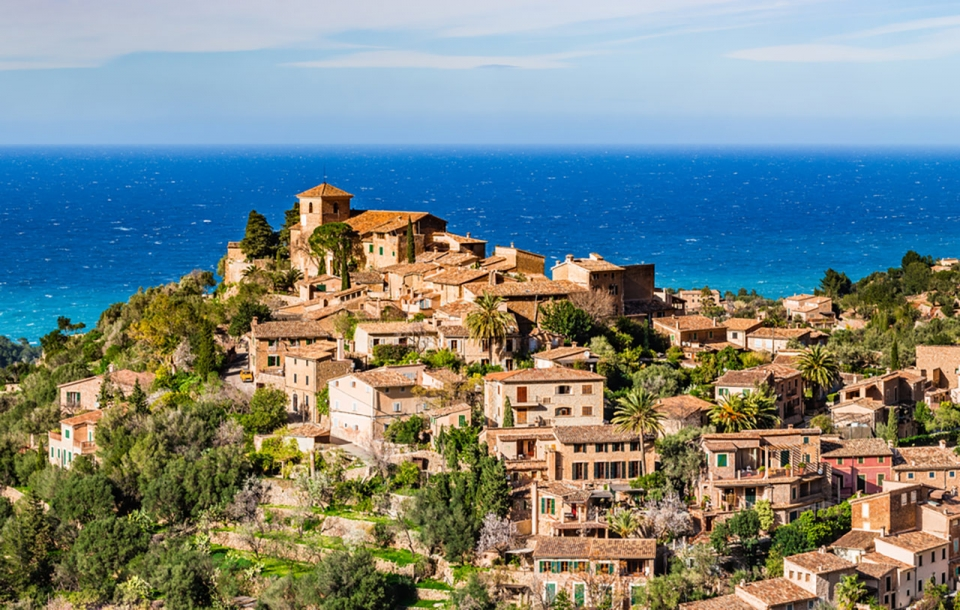 Mallorca-Yacht-Charter-Deia